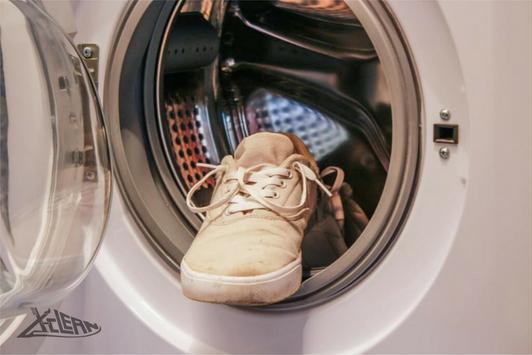Không nên giặt giày bằng máy giặt