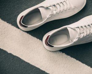 5 mẫu giày sneaker cơ bản các bạn nam nên có