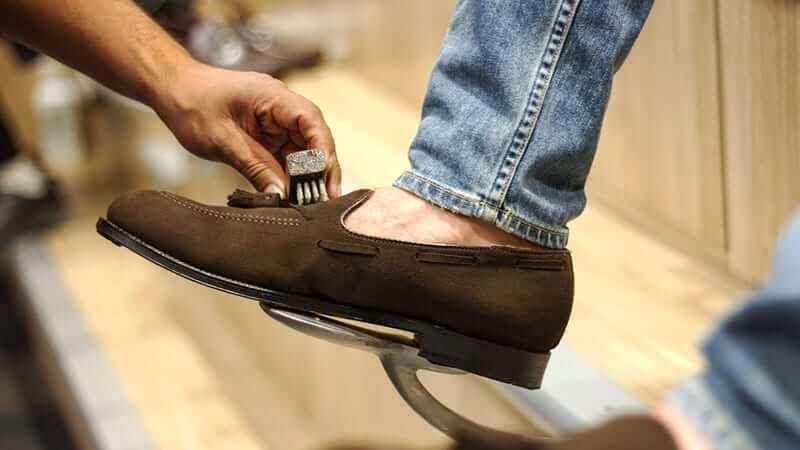 dịch vụ vệ sinh giày chuyên nghiệp