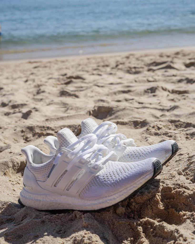 làm sạch giày Adidas Ultra Boost Triple White 5
