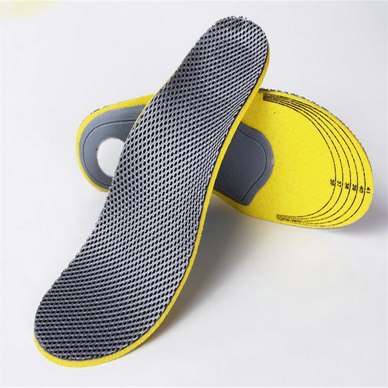 vệ sinh miếng lót giày 2