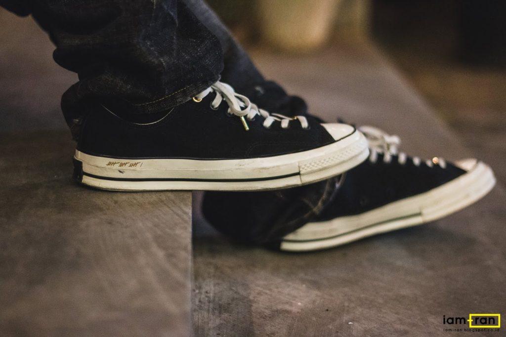 vệ sinh giày converse