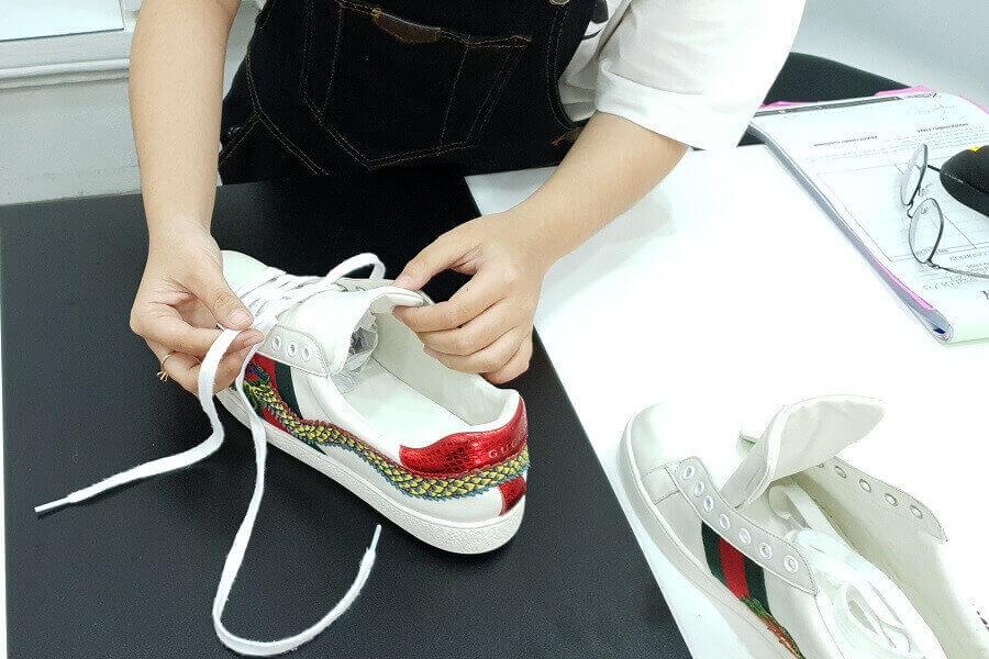 Sử dụng dịch vụ vệ sinh giày bata, tại sao không?