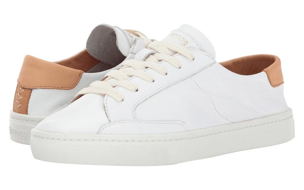Giày da trắng dễ bẩn cần bí kịp vệ sinh giày hiệu quả