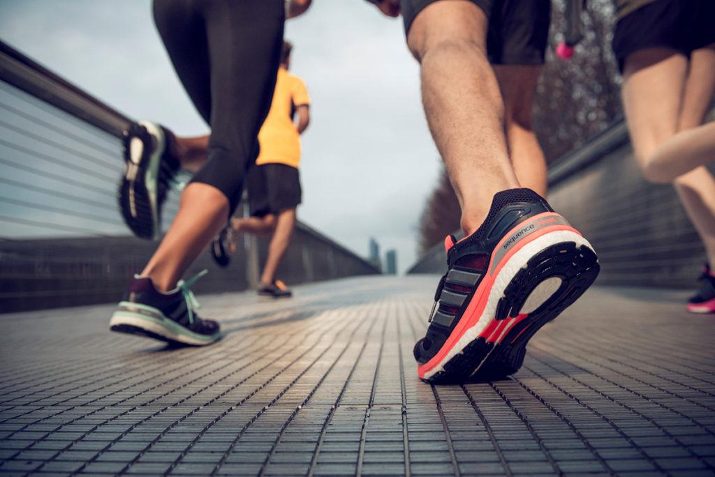Vệ sinh giày chạy bộ Adidas
