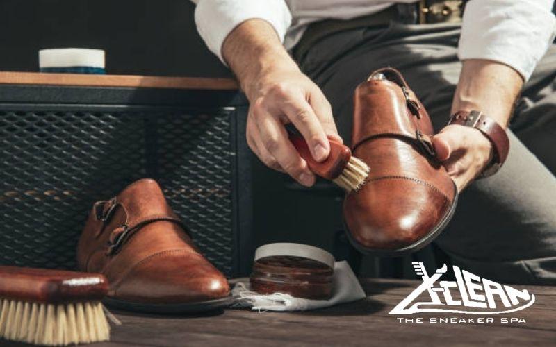 Làm sạch giày da nam hiệu quả xclean
